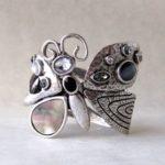 Hermosa pulsera modelo mariposa de metal