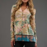 Blusa acanalada con estampado floral