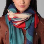 Bufandas de moda en shopbop