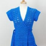 Chaleco azul tejido a crochet
