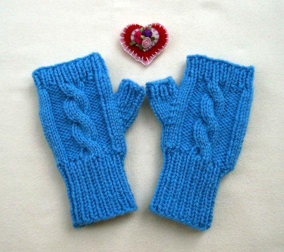 si deseas comprar estos guantes ingresa a etsy com a traves de este
