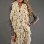 Bufanda de mujer con flequillos rizados