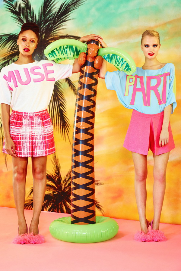 Miami-Barbie-The-Moschino-Cheap-and-Chic-Spring-2014-RTW-Collection-is-Perfect-for-Her_12