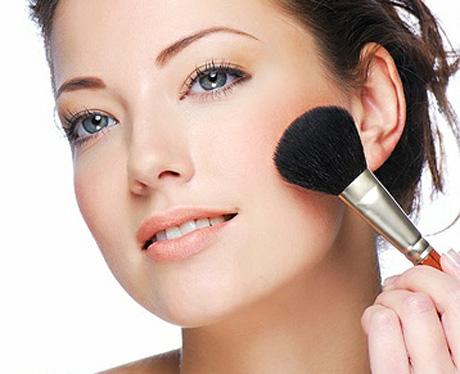 aplicando_maquillaje