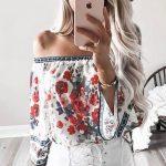 Outfits con prendas florales para este verano